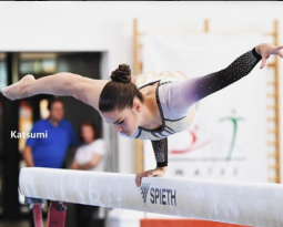 What's it Like to Do Handstands in Iceland? Interview with Agnes Suto-Tuuha